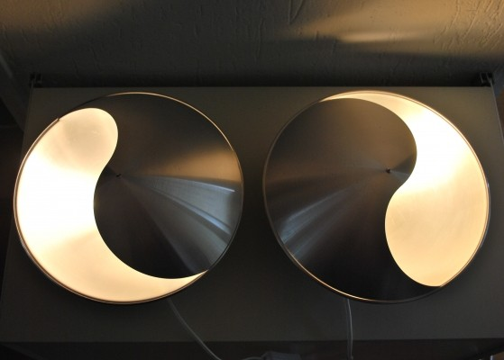 Set of 2 Yin Yang wall lamps from the fifties by Hermian Sneyders de Vogel for Raak Amsterdam