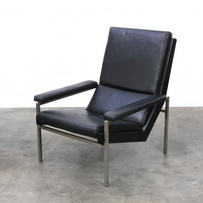 Lotus Lounge Chair in black leather designed by Rob Parry produced by Gelderland
