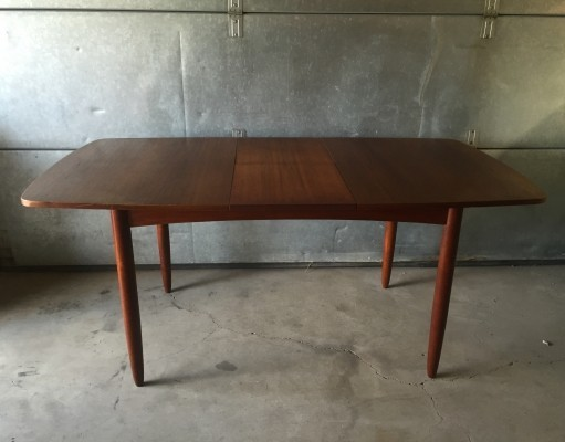 Extendable dining table from the sixties by Louis van Teeffelen for Wébé
