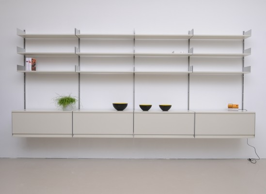 Model 606 wall unit from the sixties by Dieter Rams for Vitsoe