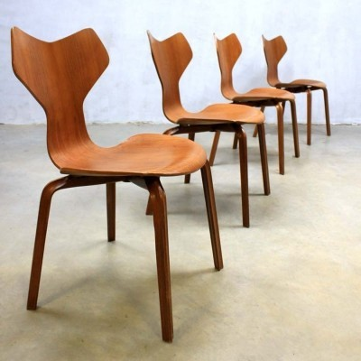 Set of 4 Model 3130 dinner chairs from the fifties by Arne Jacobsen for Fritz Hansen