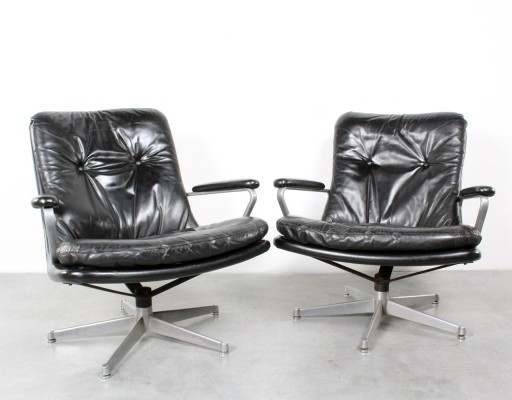 2 Gentiliana arm chairs from the sixties by André Vandenbeuck for Strässle