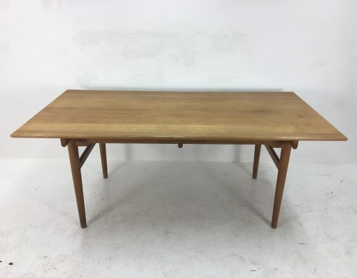 Dining table from the fifties by Hans Wegner for Andreas Tuck