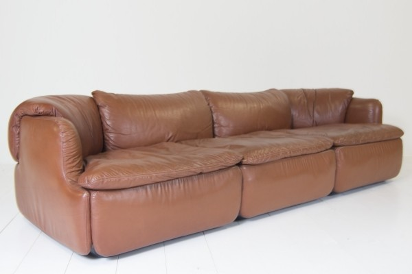 Confidential sofa from the seventies by Alberto Rosselli for Saporiti