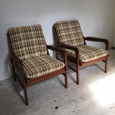 2 lounge chairs from the sixties by unknown designer for unknown producer