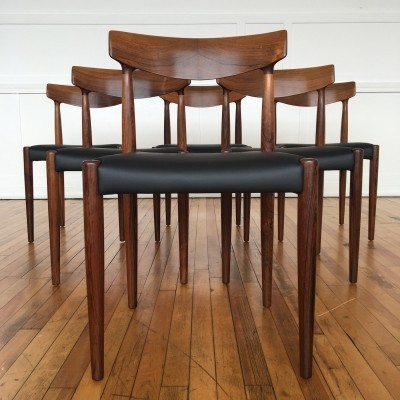 Mid Century Danish Rosewood Set of Six Dining Chairs Model 343 by Knud Faerch for Slagelse Mobelvaerk