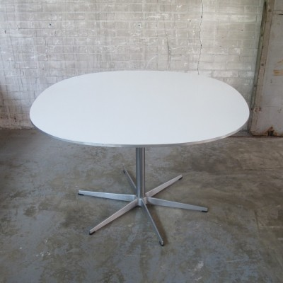 Dining table from the seventies by Bruno Mathsson & Piet Hein for Fritz Hansen