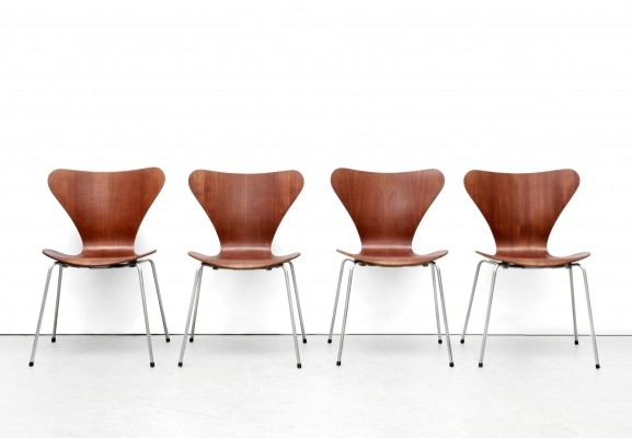 Set of 4 3107 Butterfly dinner chairs by Arne Jacobsen for Fritz Hansen, 1950s