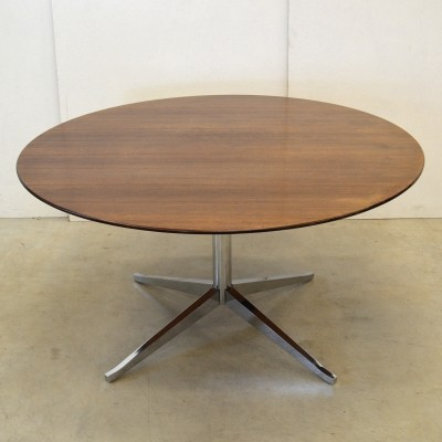 Dining table from the seventies by Florence Knoll for Knoll International