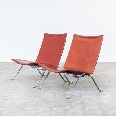 Set of 2 PK22 lounge chairs from the eighties by Poul Kjærholm for Fritz Hansen