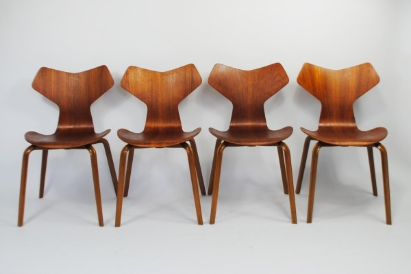 Set of 4 Grand Prix dinner chairs by Arne Jacobsen for Fritz Hansen, 1950s