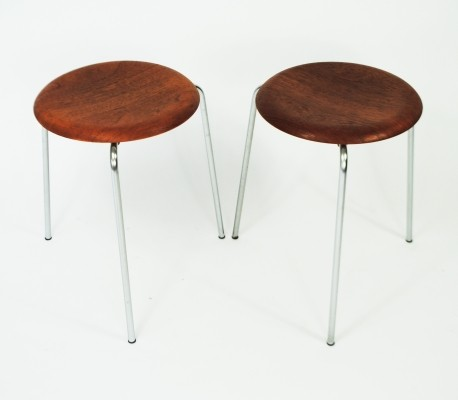 2 Dot stools from the fifties by Arne Jacobsen for Fritz Hansen