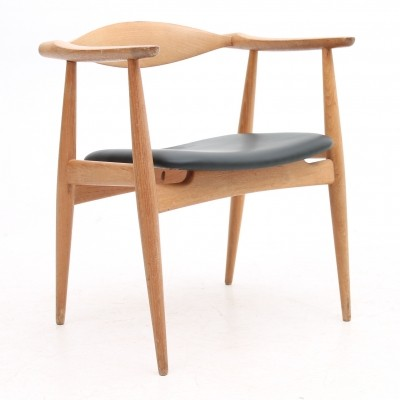 CH-35 arm chair from the sixties by Hans Wegner for Carl Hansen & Son