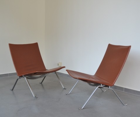 2 PK22 lounge chairs from the eighties by Poul Kjærholm for Fritz Hansen