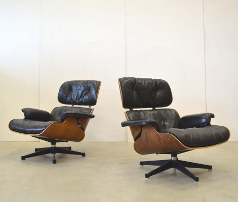 Set of 2 Rosewood lounge chairs from the sixties by Charles & Ray Eames for Herman Miller