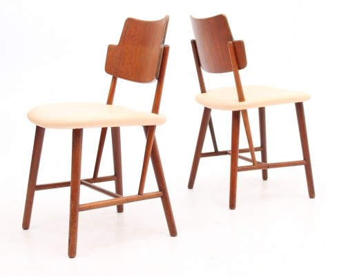 Set of 2 dinner chairs from the fifties by Ib Kofod Larsen for Christensen & Larsen