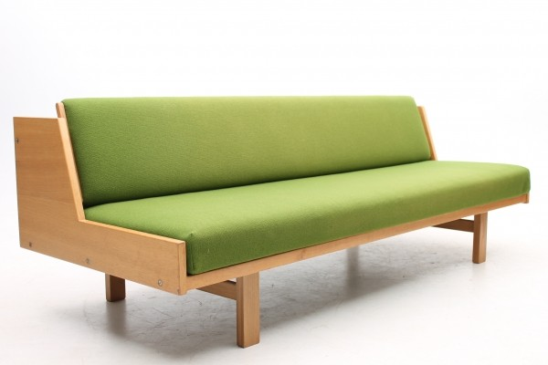 GE6 daybed from the sixties by Hans Wegner for Getama