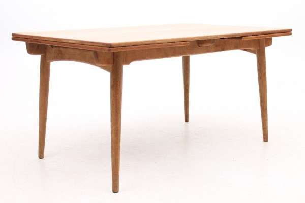 AT-312 dining table from the fifties by Hans Wegner for Andreas Tuck