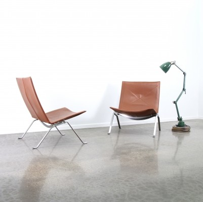 Cognac leather PK22 by Poul Kjærholm for Fritz Hansen