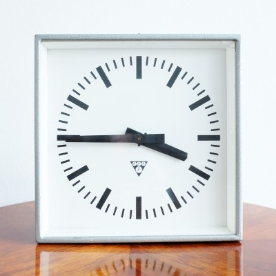 C 301 clock from the eighties by unknown designer for Pragotron