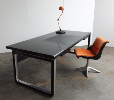 Executive writing desk by Osvaldo Borsani for Tecno, 1960s