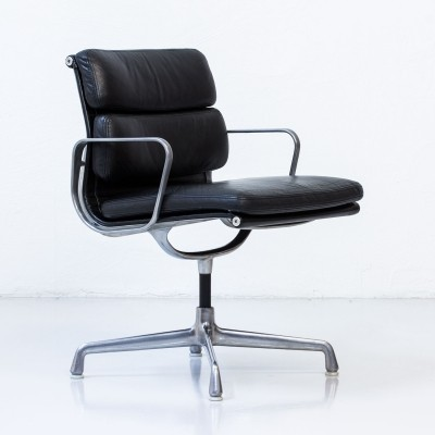 Soft pad office chair from the seventies by Charles & Ray Eames for Herman Miller