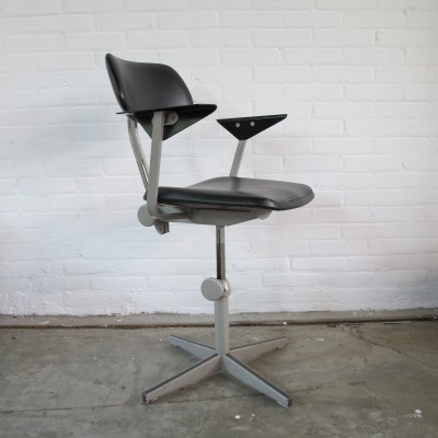 Office chair from the fifties by Friso Kramer for Ahrend de Cirkel