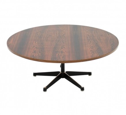 Coffee table from the fifties by Charles & Ray Eames for Herman Miller
