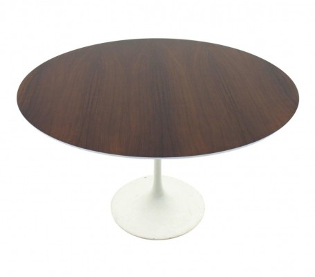3 Tulip dining tables from the fifties by Eero Saarinen for Knoll