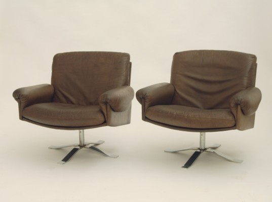 Set of 2 arm chairs from the seventies by unknown designer for unknown producer