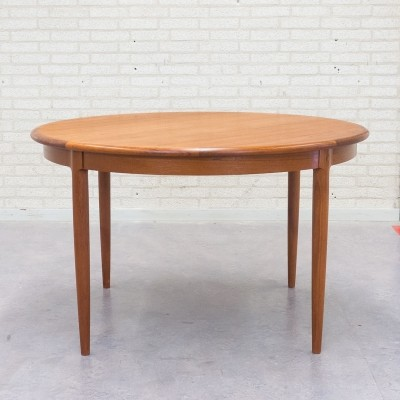 Extendable model 15 dining table from the fifties by Niels Otto Møller for JL Møller Møbelfabrik