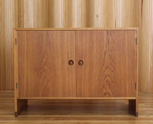 Sideboard from the fifties by Hans Wegner for Ry Møbler