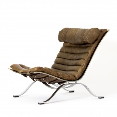 Arne Norell 'Ari' lounge chair in brown / olive leather