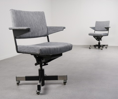 2 x Model 1637 office chair by André Cordemeyer for Gispen, 1960s