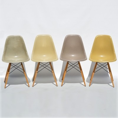 Set of 4 dinner chairs from the fifties by Charles & Ray Eames for Fehlbaum for Herman Miller