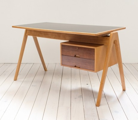 Hillestak writing desk by Robin Day for Hille, 1950s