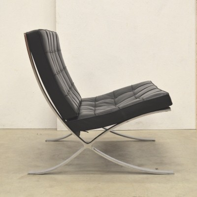 Barcelona lounge chair from the eighties by Ludwig Mies van der Rohe for Knoll International