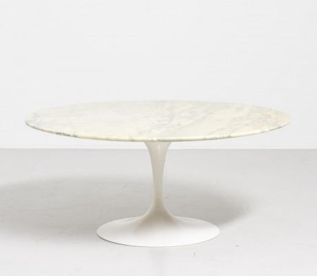 Marble round 'Tulip' table by Eero Saarinen for Knoll International