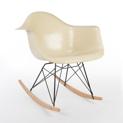 3rd Generation Zenith Parchment rocking chair by Charles & Ray Eames for Zenith Plastics, 1950s