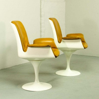 Pair of Tulip Swivel Chairs with Armrests, 1960s