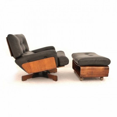 Italian black leather lounge chair with foot stool by M. Taro for Cinova