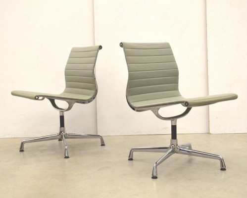 2 x EA106 office chair by Charles & Ray Eames for Vitra, 1980s