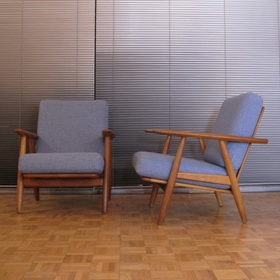 Pair of GE240 Cigar lounge chairs by Hans Wegner for Getama, 1950s