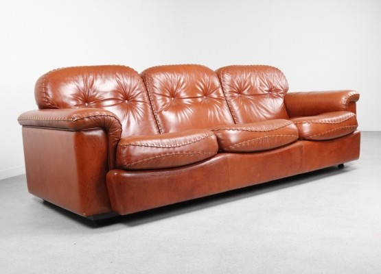Italian leather sofa by Vavassori, 1970s