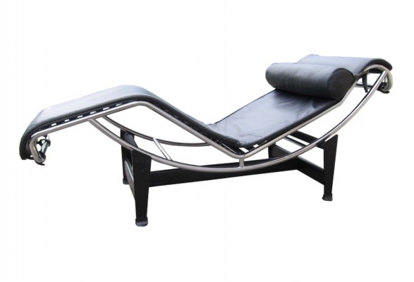 Cassina lc4 'chaise longue' by Le Corbusier & Charlotte Perriand