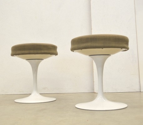 2 x Tulip stool by Eero Saarinen for Knoll International, 1960s