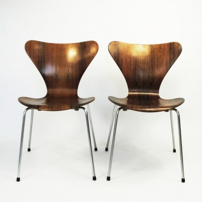 2 x model 3107 dinner chair by Arne Jacobsen for Fritz Hansen, 1960s