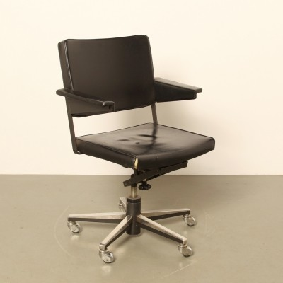 2 x office chair by André Cordemeyer for Gispen, 1970s