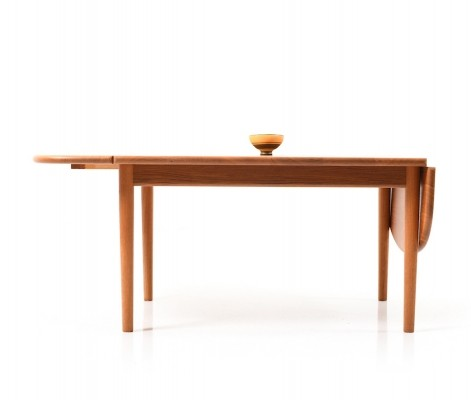Drop-Leaf Coffee Table by Hans Wegner for Getama, 1960s