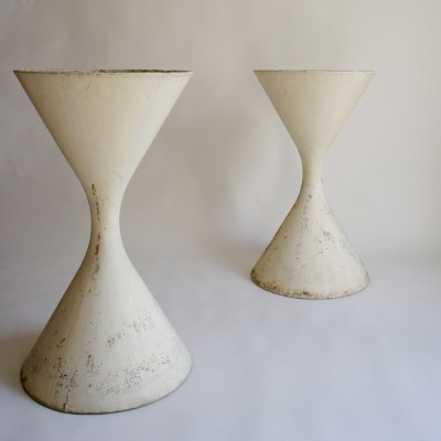 Large Willy Guhl Diabolo Planters